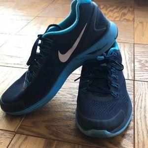 Nike Shoes - Nike Lunarglide 4 sneakers